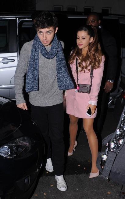 Ariana Grande et Nathan Sykes à Londres, le 7 novembre 2013.