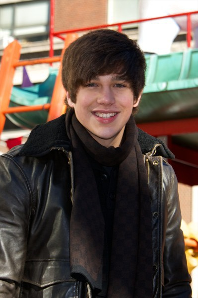 Austin Mahone a la parade de Thanksgiving, à New York le 28 novembre 2013