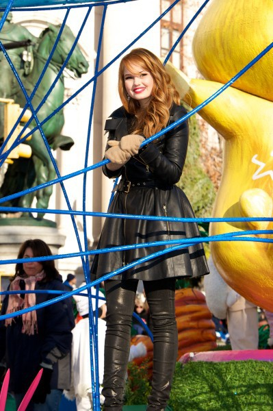 Debby Ryan a la parade de Thanksgiving, à New York le 28 novembre 2013
