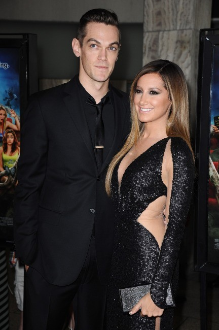 Ashley Tisdale et Christopher French lors de la première de Scary Movie 5 à Hollywood, le 11 avril 2013.