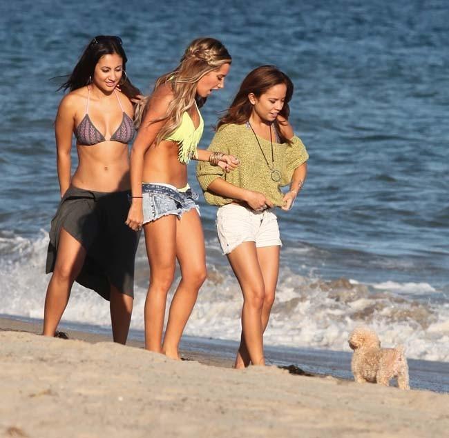 Ashley Tisdale fête son anniversaire le 2 juillet 2012 à Malibu