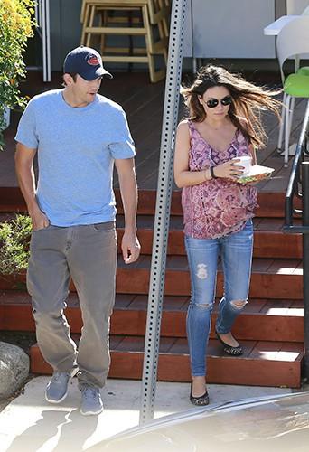 Ashton Kutcher et Mila Kunis à Los Angeles le 21 juillet 2014