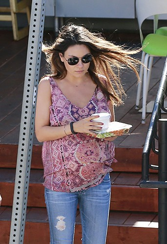 Mila Kunis à Los Angeles le 21 juillet 2014