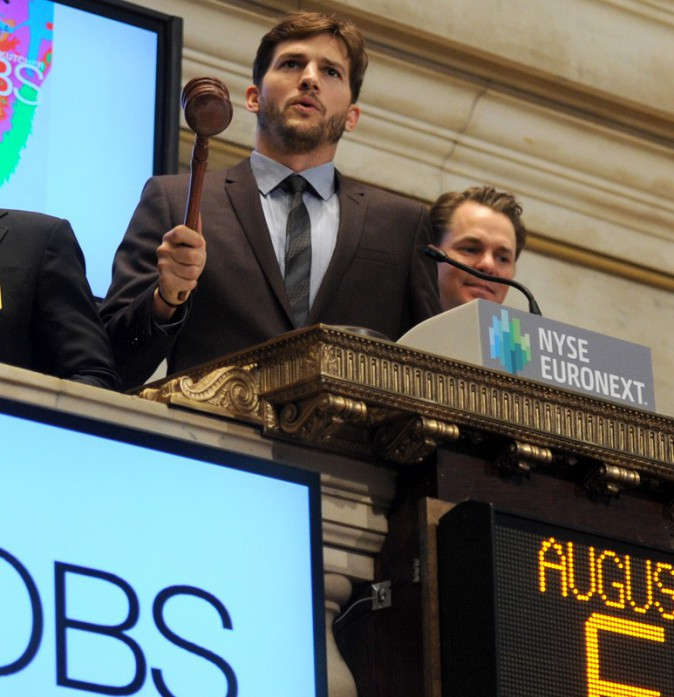 Ashton Kutcher visite la Bourse de New York !