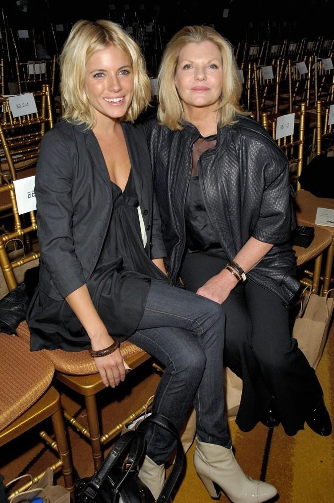 Sienna Miller et sa maman Jo !