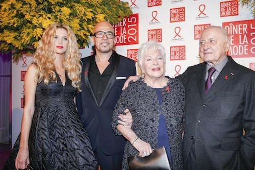 Pascal Obispo et sa compagne, avec Line Renaud et Pierre Bergé au dîner de la mode, le 29 janvier 2015
