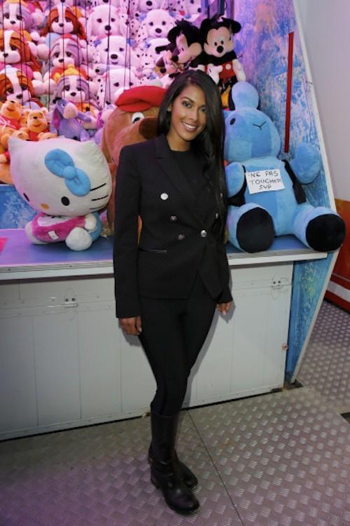 Photos : Ayem : de retour à Paris, elle garde toujours le sourire !