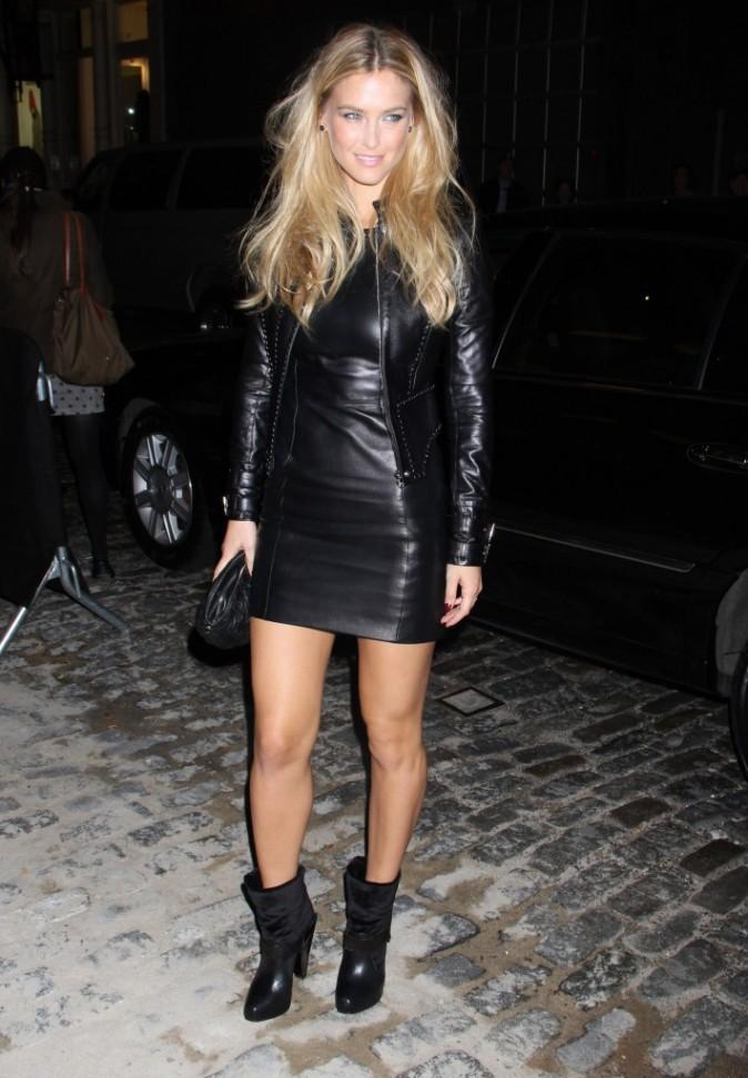 Bar Refaeli lors de la soirée d'ouverture de la nouvelle boutique Versace à New York, le 24 octobre 2012.