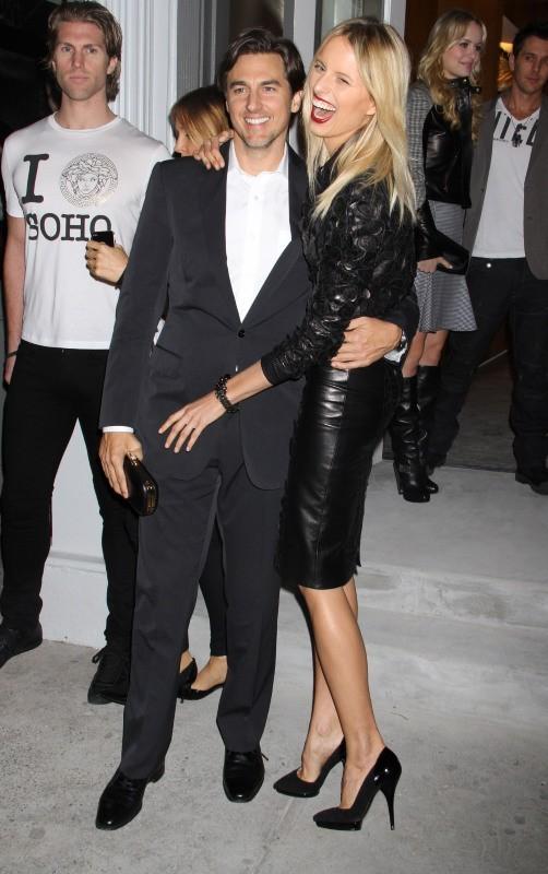 Karolina Kurkova et Archie Drury lors de la soirée d'ouverture de la nouvelle boutique Versace à New York, le 24 octobre 2012.