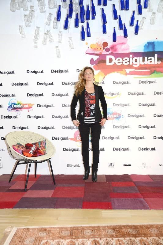 Bar Refaeli en promo pour Desigual à Barcelone, le 29 janvier 2013.