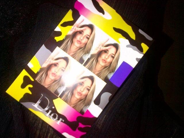 Tout comme nous, Bar Refaeli a profité du photomaton Dior !