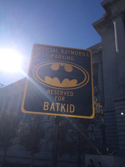 Photos : Barack Obama : il se mobilise avec tout San Francisco pour qu'un enfant malade devienne un vrai super héros !