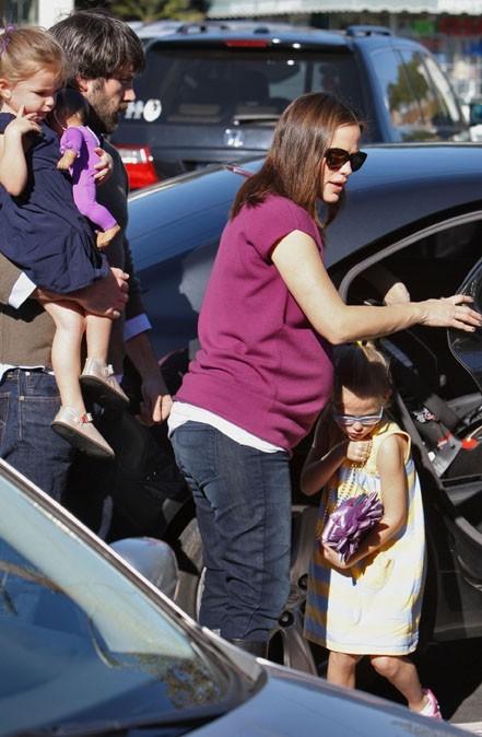 Toute la famille Affleck-Garner est de corvée de courses !