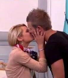 Premier baiser entre Marine et Benjamin