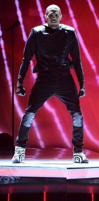 Chris Brown sur la scène des BET Awards 2013 à Los Angeles, le 30 juin 2013.
