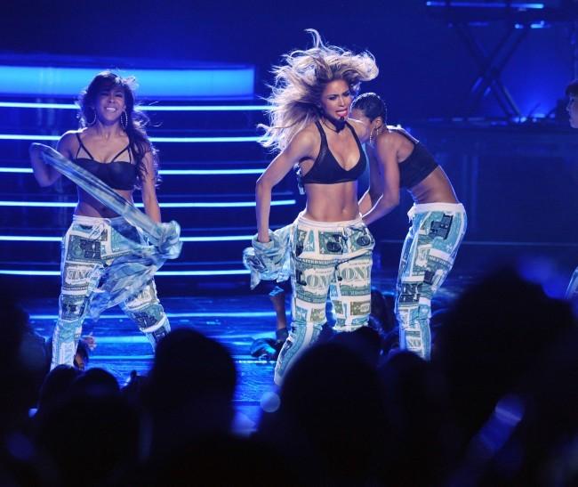 Ciara sur la scène des BET Awards 2013 à Los Angeles, le 30 juin 2013.