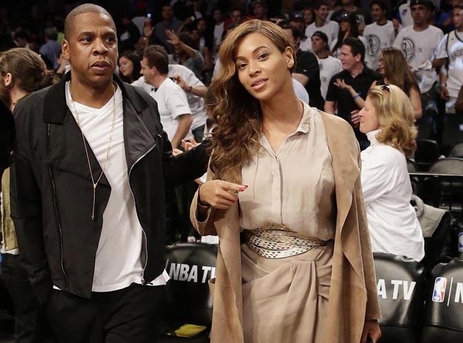 Beyoncé : beauté nude et overstylée pour assister à un nouveau match de NBA !