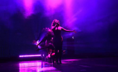 Photos : Beyoncé cartonne sur scène, mais préfère penser à ses vacances avec Blue Ivy !