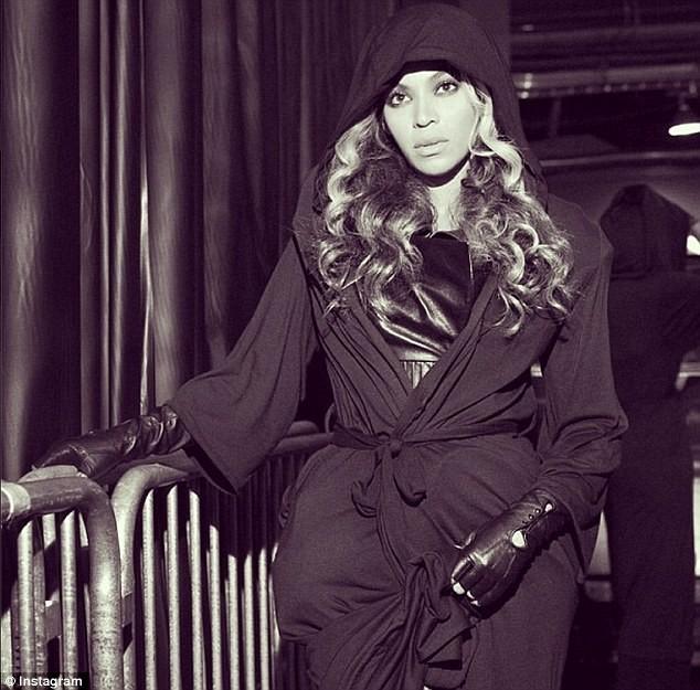 Beyoncé dans les coulisses du Super Bowl, le 3 février 2013.