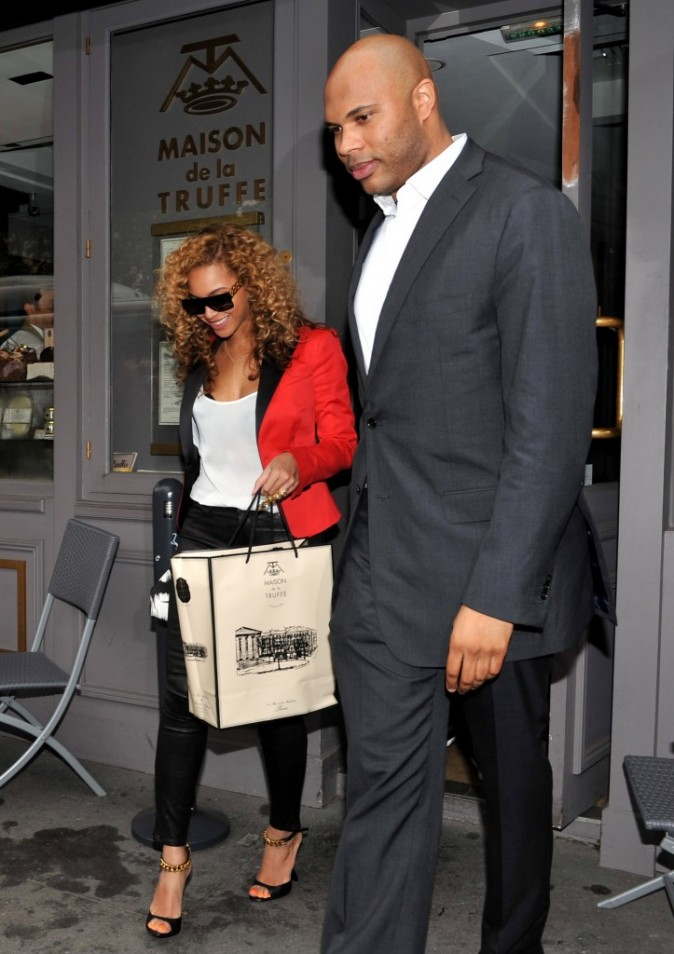 Photos beyonce et jay z encore une vir e parisienne for La maison du cafe paris