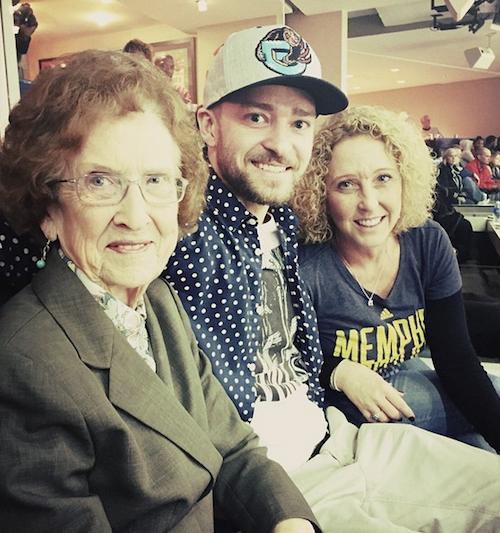 Justin Timberlake avec sa mère et sa grand-mère