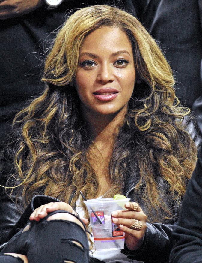 Photos : Beyoncé, Kanye West, Madonna... découvrez les plus grosses folies de stars !