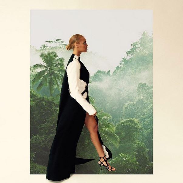 Photos : Beyoncé : méga decolleté et poses sexy pour Queen B !