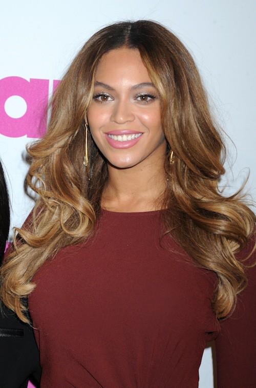 Photos : Beyoncé : sexy en soirée, elle se livre dans sa nouvelle vidéo, Yours and Mine !