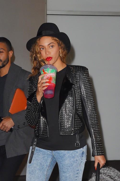 """Photos : Beyoncé : son nouveau tube, """"Ring Off"""", fuite et relance les rumeurs de divorce !"""