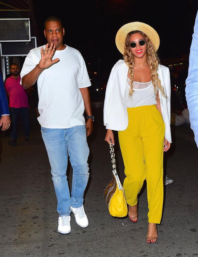 Photos : Beyoncé : Ultra glamour en jaune pour une soirée romantique avec son mari Jay-Z !