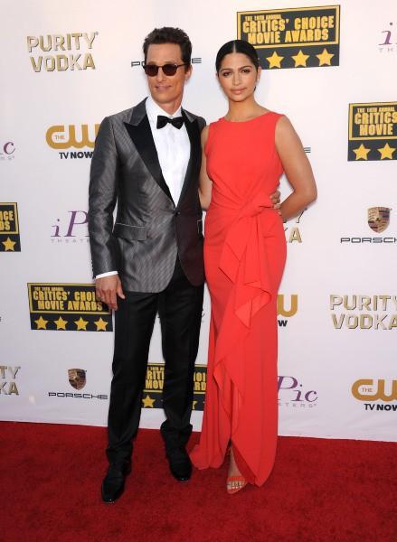 Matthew McConaughey et Camila Alves lors de la cérémonie des Critics' Choice Awards à SantaMonica, le 16 janvier 2014.