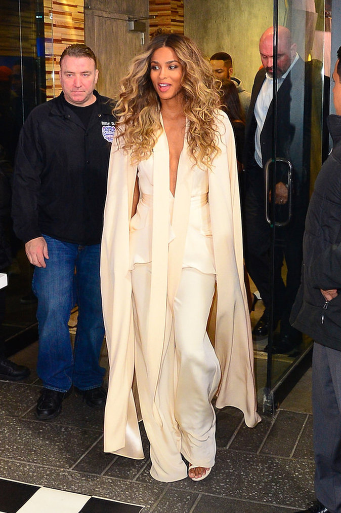 Ciara Vêtue de blanc pour Good Morning America sur ABC