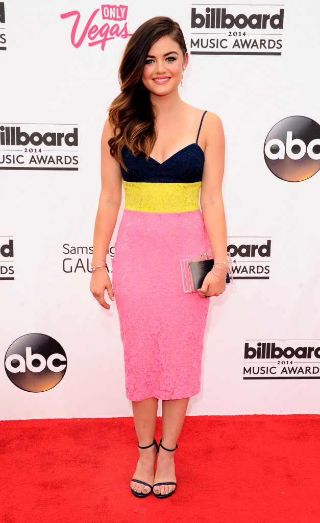 Photos : Billboard Music Awards 2014 : Lucy Hale : rayonnante et ultra-girly, la bombe de Pretty Little Liars illumine le redcarpet !