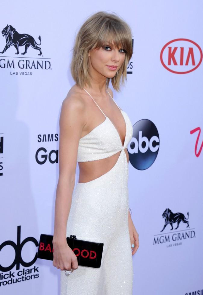 Photos : Billboard Music Awards 2015 : Taylor Swift VS Rita Ora : qui porte le mieux le blanc immaculé ?