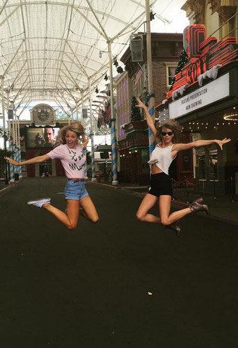 Blake Lively et Taylor Swift : les nouvelles meilleures amies s'�clatent en Australie !