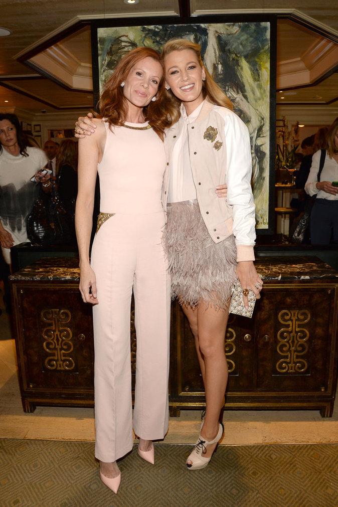 Blake Lively : toujours aussi styl�e, elle s'offre une nouvelle apparition glam', sans Ryan mais avec sa grande soeur