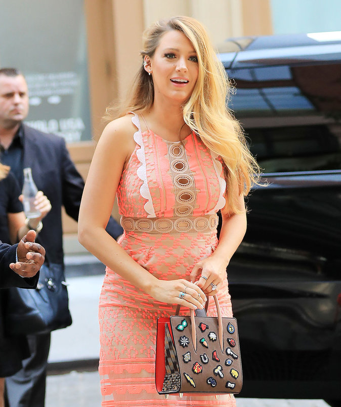 Photos : Blake Lively : rayonnante, elle affiche son ventre rond à New York !