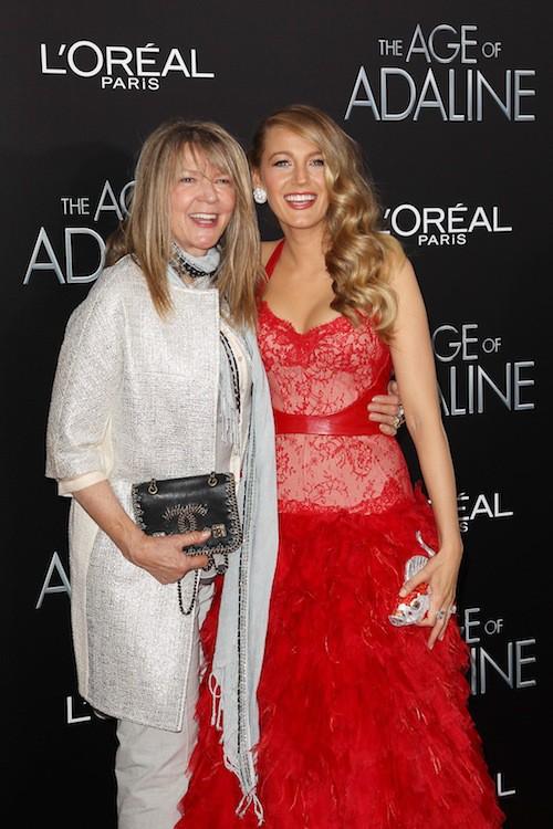 Blake Lively et sa mère, Elaine, à la première du film Adeline à New York, le 20 avril 2015