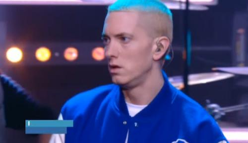 Photos : Booba parle de la France raciste, Eminem rappe comme un Dieu au Grand Journal !