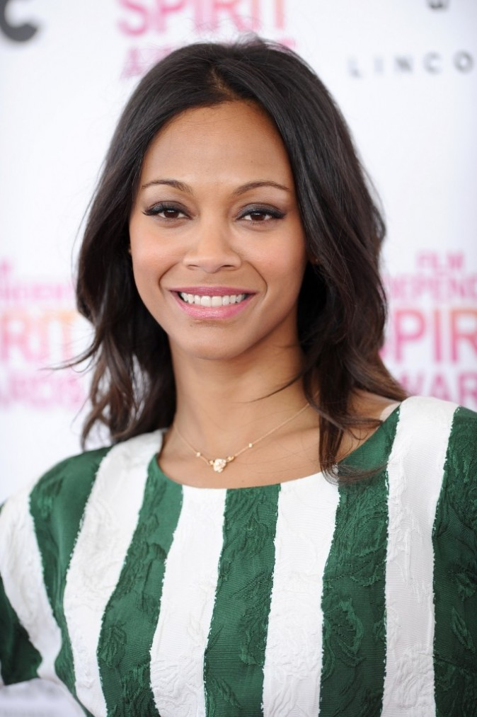 Zoe Saldana, rayonnante aux Independent Spirit Awards