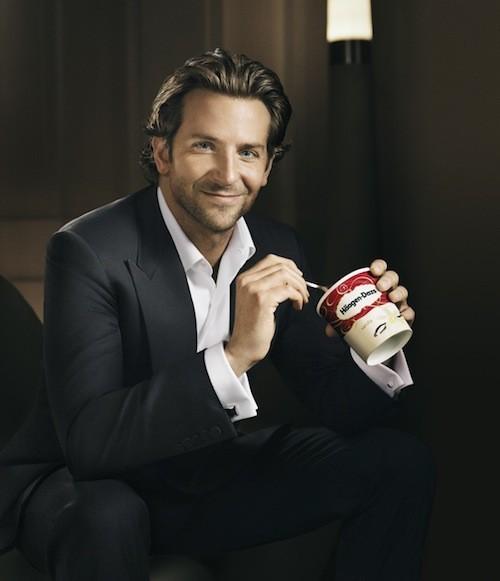 Photos :  Bradley Cooper : Une égérie ultra hot pour les glaces Haagen-Dazs !