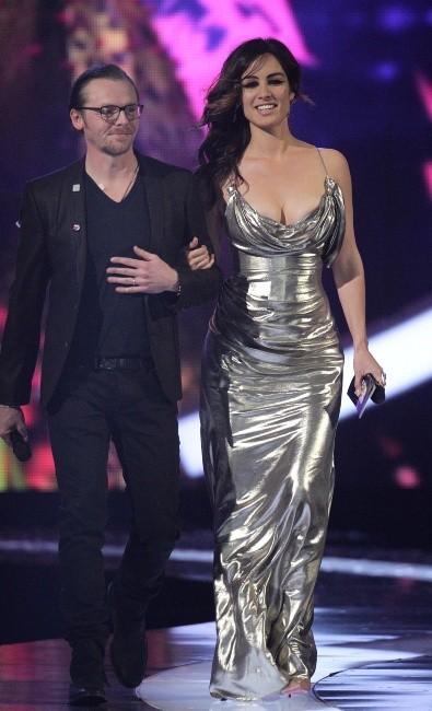 Bérénice Marlohe et Simon Pegg lors des Brit Awards 2013 à Londres, le 20 février 2013.