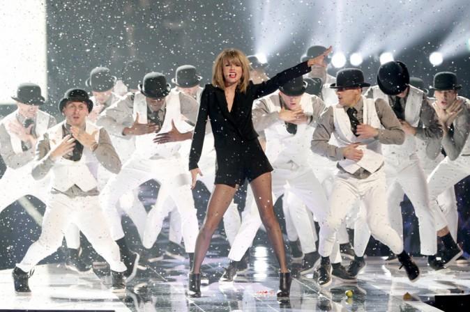 Photos : Brit Awards 2015 : Taylor Swift bat Beyoncé, découvrez le palmarès !