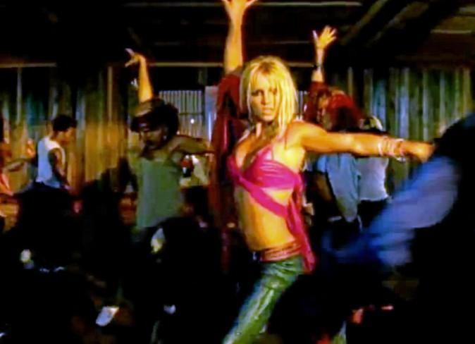 2001 : I'm a Slave 4 U.