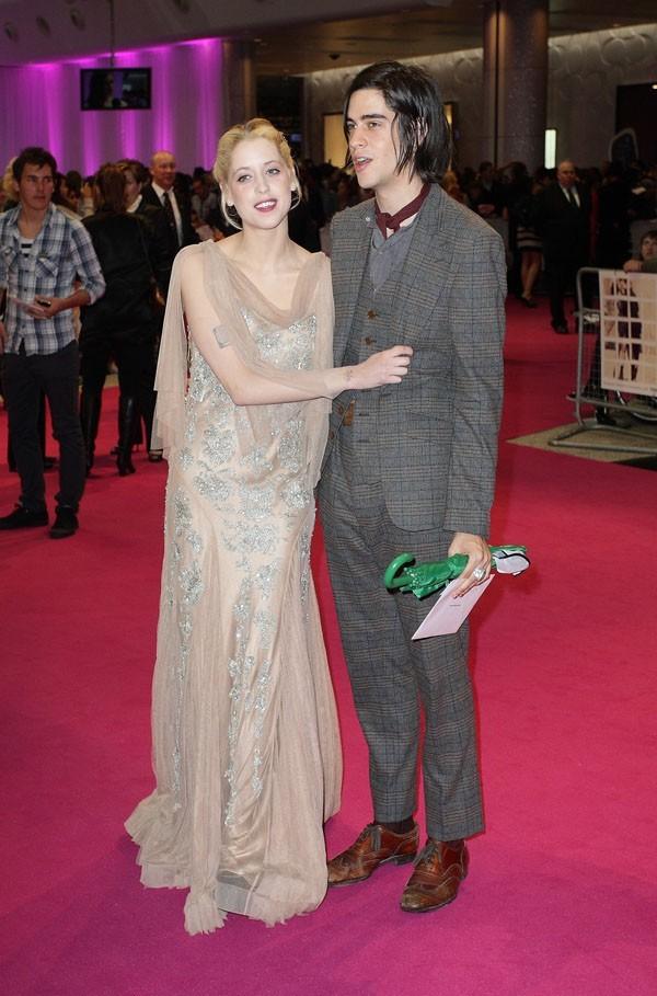 Des fiançailles et un bébé pour Peaches Geldof !