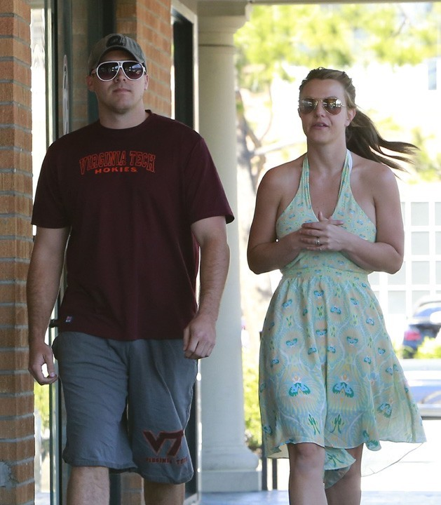 Britney Spears et son nouveau boyfriend à Thousand Oaks le 14 mars 2013
