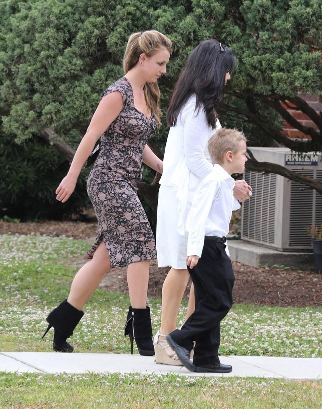Britney Spears en famille pour célébrer Pâques en Louisiane le 31 mars 2013