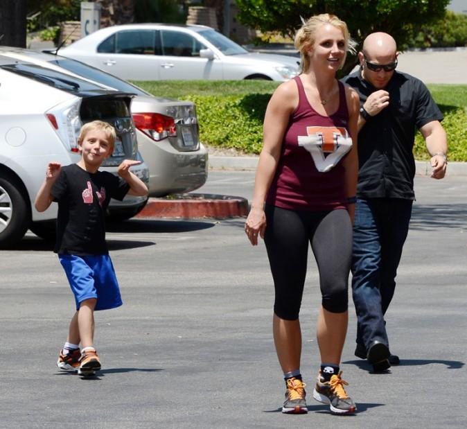 Britney Spears avec ses fils à Los Angeles le 12 juillet 2013