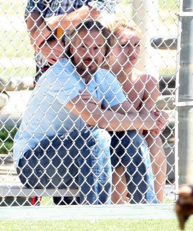 Ils assistent à un match de baseball des enfants de la chanteuse !