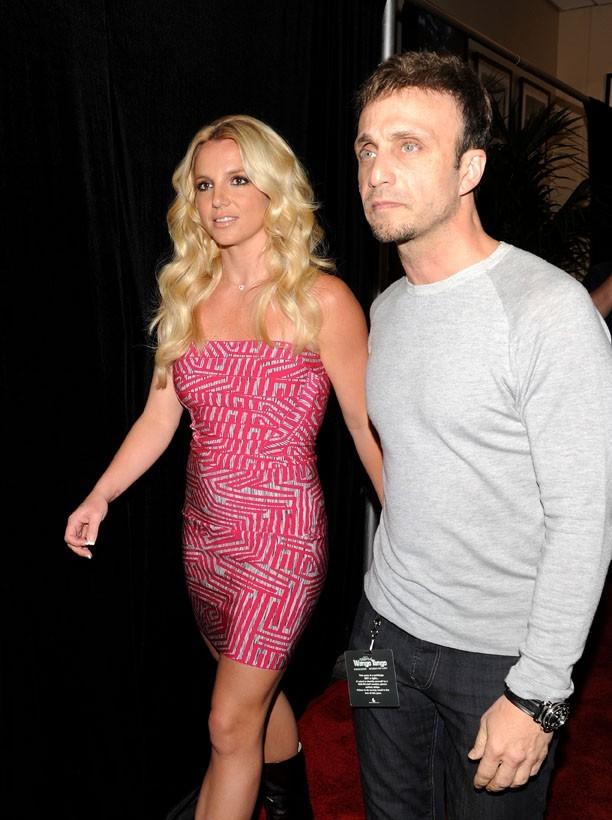 Britney Spears accompagnée par son manager et ami Larry Rudolph !